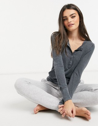 aerie long-sleeved henley T-shirt in grey