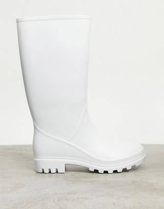 ASOS DESIGN Genie pull on wellies in matte white