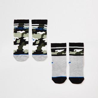 River Island Mini boys khaki camo 'Fresh' socks 2 pack