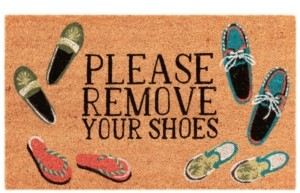 Liora Manné Natura Please Remove Your Shoes l Neutral 2' x 3' Area Rug