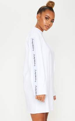 PrettyLittleThing White Tape Long Sleeve T Shirt Dress