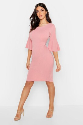 boohoo 3/4 Angel Sleeve Crew Neck Midi Dress
