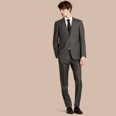 Burberry Modern Fit Travel Tailoring Virgin Wool Suit