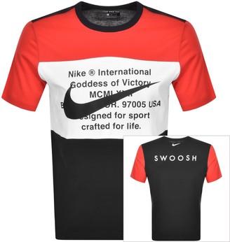 Nike Crew Neck Swoosh Logo T Shirt Red