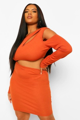 boohoo Plus Cut Out Side Long Sleeve Bodycon