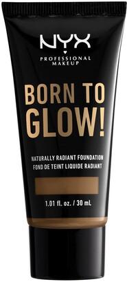 NYX Born To Glow Naturally Radiant Foundation - Sienna