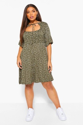 boohoo Plus Ditsy floral Cut Out Smock Dress