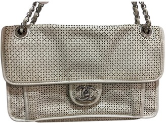 Chanel Timeless/Classique White Leather Handbags
