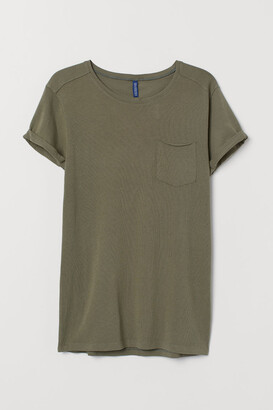 H&M T-shirt with Chest Pocket - Green