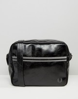Fred Perry Classic Messenger Bag In Black