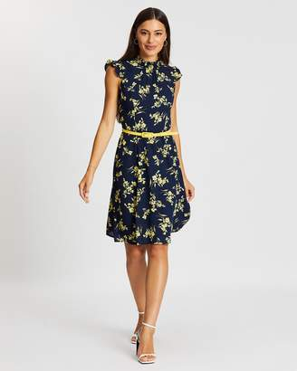 Review Aster Floral Dress