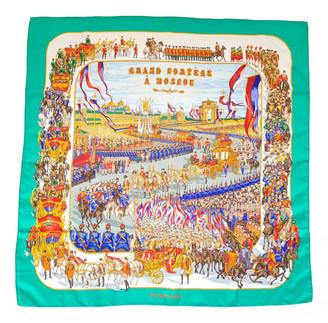 Hermã ̈S HermAs CarrA GAant silk 140 Green Silk Scarves
