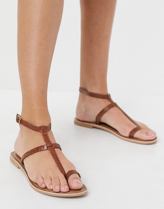 New Look faux leather croc sandals in tan