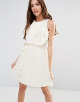 Lavand Pleated Skirt Skater Dress In White