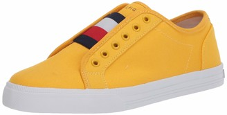 Tommy Hilfiger Women's Fashion Sneaker
