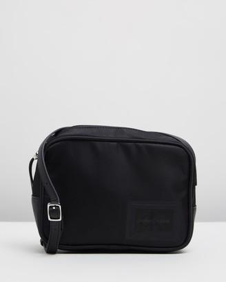 Calvin Klein Jeans Sleek Nylon Camera Bag