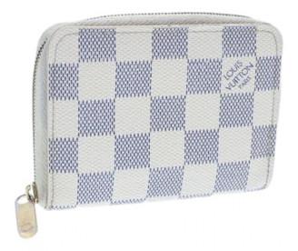 Louis Vuitton Zippy White Cloth Wallets