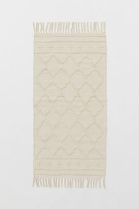 H&M Rectangular Tasseled Rug