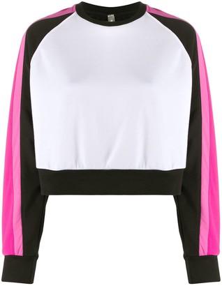 NO KA 'OI Contrast Sleeves Cropped Sweatshirt