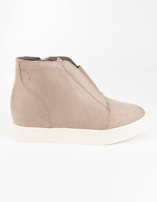 Soda Sunglasses Perf Womens Sneaker Booties