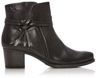 C Loop Black Leather