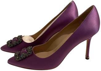Manolo Blahnik Hangisi Purple Cloth Heels