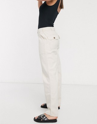 Only straight leg jeans with pocket detail in ecru