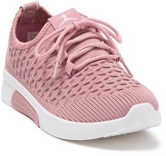 Danskin Honor Textured Sneaker