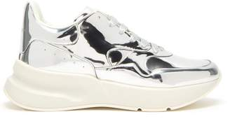 Alexander McQueen Runner Raised Sole Low Top Leather Trainers - Mens - Silver