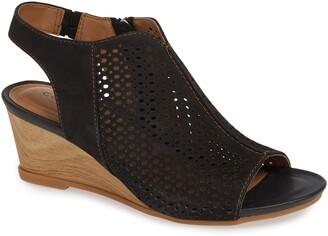 Comfortiva Skylyn Wedge Sandal