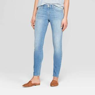 Universal Thread Women's Mid-Rise Skinny Jeans Light Wash