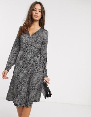 Vero Moda midi dress with wrap detail in smudge print