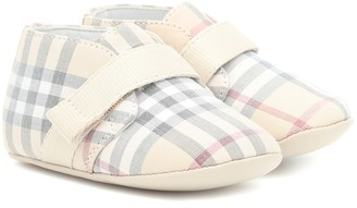 BURBERRY KIDS Checked booties