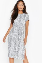 boohoo Petite Snake Print Belted Midi Dress