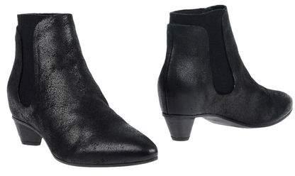 Roberto Del Carlo Ankle boots
