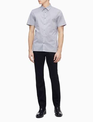 Geometric Print Button-Down Short Sleeve Shirt