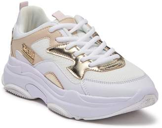 GUESS Seeing 2 Chunky Sole Sneaker