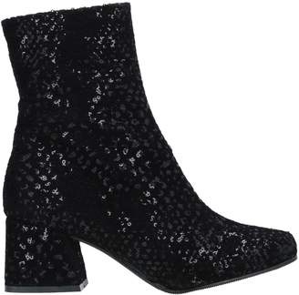 Sixty Seven 67 SIXTYSEVEN Ankle boots