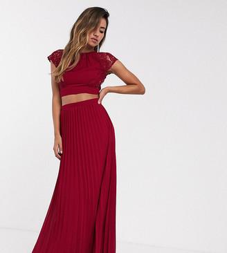 TFNC Bridesmaid pleated maxi skirt in wine