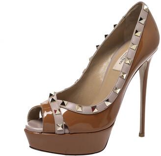 Valentino Ochre Patent Leather Rockstud Peep Toe Platform Pumps Size 38