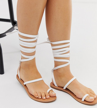 Raid Wide Fit RAID Wide Fit Kruise white toe loop ankle tie flat sandals