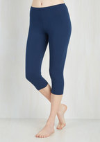 Rise to the Crop Leggings in Navy in S/M