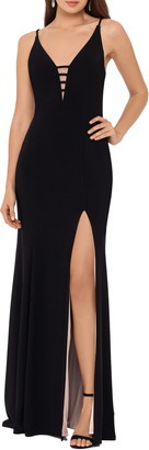 Xscape Evenings Plunge Neck Trumpet Gown