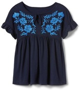 Gap Embroidery ruffle tee