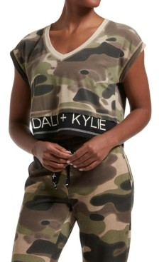 KENDALL + KYLIE Women's Double Layer Crop V-Neck Tee Camo