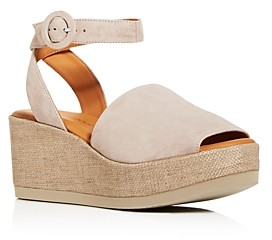 Andre Assous Women's Klarita Wedge Platform Sandals