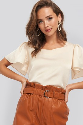 NA-KD Sweetheart Short Sleeve Blouse