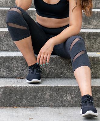 Tema Athletics TEMA Athletics Women's Active Pants Black - Heather Black Double Mesh-Slit Capri Leggings - Women & Plus