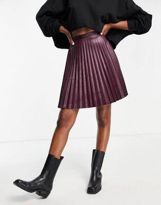 Vila leather look pleated mini skirt in wine