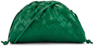 Bottega Veneta Woven The Pouch 20 Clutch Bag in Racing Green & Gold | FWRD